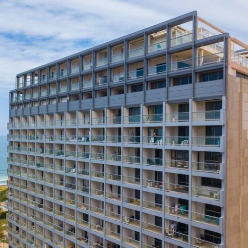 התקנת רצפת STRONG-FLOOR למלון מנדרין