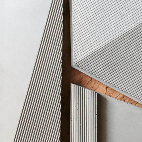 אריחים דקורטיביים לקיר בהתאמה אישית