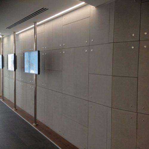 חיפוי קיר בלובי בניין